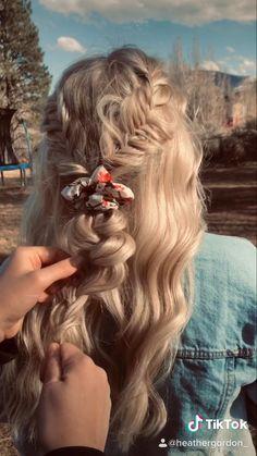 Beach Hairstyles For Long Hair, Summer Hairstyles, Braided Hairstyles, Hairstyles Haircuts, Wedding Hairstyles, Rodeo Hair, Medium Hair Styles, Curly Hair Styles, Aesthetic Hair