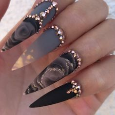 Nail Art Rhinestones, Rhinestone Nails, Bling Nails, Stiletto Nails, Gem Nail Designs, Creative Nail Designs, Creative Nails, Nail Swag, Cute Nails
