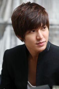 Lee Min Ho - kurang ganteng apa Щ(ºДºщ)