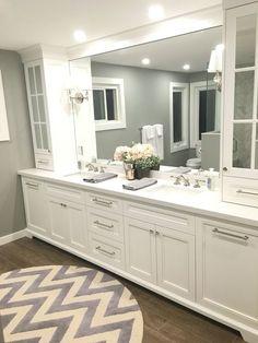 Diy Bathroom Vanity Countertop Cabinet Colors New Ideas Master Bathroom Vanity, Bathroom Vanity Designs, Bathroom Closet, Diy Vanity, Bathroom Colors, Bathroom Ideas, Vanity Ideas, Mirror Ideas, Bathroom Pink