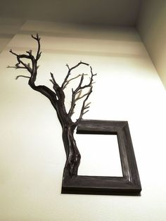 Fusion Frames NW, making distinct Fusion Frame tree branch art since A reclaimed tree branch, a re-purposed frame, and my passion — Darryl Cox, Jr. Unique Picture Frames, Picture Frame Art, Cadre Photo Diy, Tree Branch Decor, Manzanita Branches, Gold Leaf Art, Diy Farmhouse Table, Wood Wall Art, Frames On Wall