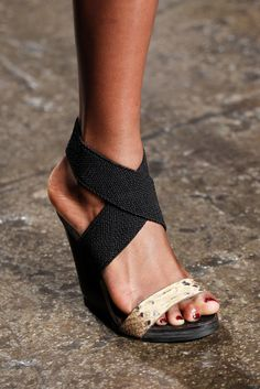 Donna Karan | Spring 2012 Ready-to-Wear Collection | Style.com