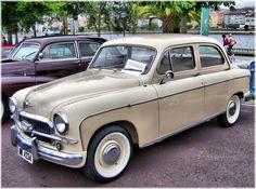 """DESGUACESGV: .SE INTERESA POR ESTA EMBLEMÁTICA MARCA. Seat 1400B  El SEAT 1400, era idéntico al Fiat 1400, fue el primer modelo con carrocería monocasco montado por la marca italiana, y presentaba una carrocería tipo """"Pontón"""" con líneas redondeadas, conquistadas en las de los automóviles americanos de la época, desarrollaba 44 CV. ¡Que Maravilla! ¡Que Maravilla! Jope,Jope,Jope,Joope. :)"""