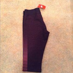Nike Leggings NWT Nike leggings Size medium have only tried them on didn't like the way they fit Nike Pants Leggings