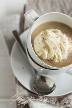 Ein samtiger Maronen Cappuccino.