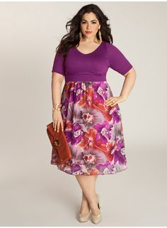Plus size clothing for full figured women. We carry young and trendy, figure flattering clothes for plus size fashion forward women. Curvalicious Clothes has the latest styles in plus sizes Plus Size Dresses, Plus Size Outfits, Moda Feminina Plus Size, Plus Size Fashionista, Modelos Plus Size, Looks Plus Size, Curvy Girl Fashion, Maxi Wrap Dress, Printed Skirts
