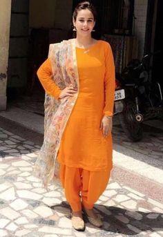 Designer Boutiques in Jalandhar,Punjab,India Punjabi Dress, Pakistani Dresses, Indian Dresses, Punjabi Suits, Patiala Suit, Indian Suits, Indian Attire, Indian Ethnic Wear, Punjabi Fashion