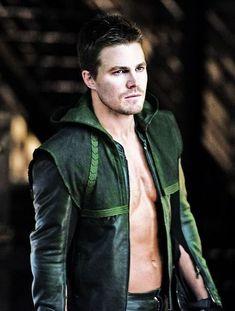 Green Arrow, Arrow Cw, Team Arrow, Logan Lerman, The Flash, Flash Y Supergirl, Teenage Mutant Ninja Turtles, New Girl, Dc Comics Tv Shows