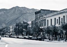 What to do in Ogden, Utah for One Day | Hill Air Force Base Ployer Hill Museum, Where to Eat, Railroad Museum, Historic 25th Street | Luci's Morsels :: LA Travel Blogger @ogdenut