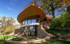 The Chenequa Residence, Wisconsin. Constructed from natural materials by architect Robert Harvey Oshatz.