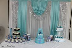 Disney's Frozen sweets table (Cake, cupcakes & cake pops)