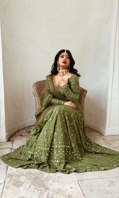 Indian Bridal Outfits, Pakistani Bridal Dresses, Pakistani Dress Design, Pakistani Outfits, Pakistani Lehenga, Eid Outfits, Nikkah Dress, Lehenga Choli, Anarkali