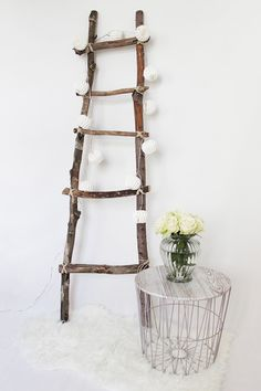 Dekoleiter self-build DIY Deko Rustic Ladder, Diy Ladder, Ladder Decor, Boho Diy, Boho Decor, Handmade Home Decor, Diy Home Decor, Diy Crafts On A Budget, Diy Trellis