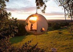 Roomoon tree tent http://www.treehugger.com/sustainable-product-design/roomoon-spherical-tree-tents-hanging-tent-company-rufus-martin.html...