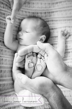 Newborn baby photo idea.