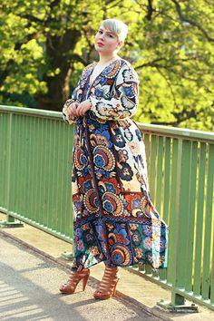 Neun Plus-Size-Blogger wie Luciana von Lu zieht an zeigen, wo sie shoppen, wie sie am liebsten posieren und wie ihre Geheimtipps für tolle Fotos lauten Plus Size Fashion, Germany, Glamour, Street Style, Shirt Dress, Skirts, Closet, Outfits, Beautiful