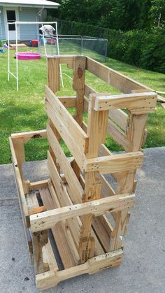 pallet loose lumber storage More storage The P. (Pallet and Loose Lumber Enclosure Tower) Lumber Storage Rack, Lumber Rack, Diy Garage Storage, Wood Rack, Garden Tool Storage, Pallet Storage, Garage Organization, Organizing, Recycled Pallets
