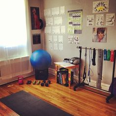 At home gym room! Workout Room Home, Workout Rooms, At Home Workouts, Gym Workouts, Exercise Rooms, Exercise Ball, Apartment Inspiration, Room Inspiration, Home Gym Set
