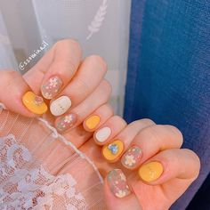 Pretty Nail Art, Cute Nail Art, Heavenly Nails, Luv Nails, Asian Nails, Korean Nail Art, Minimalist Nails, Best Acrylic Nails, Yellow Nails