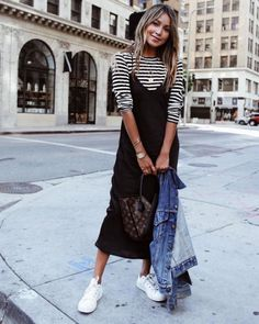 Best Ways To Style Your Outfits - Fashion Trends Slip Dress Outfit, Black Slip Dress, Casual Dress Outfits, Mode Outfits, Chic Outfits, Spring Outfits, Fashion Outfits, Black Midi Dress Outfit, Skirt Outfits