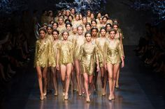 Milan Fashion Week is almost over. Today one of our favourite fashion brands Dolce & Gabbana presented the women's Spring-Summer 2014 collection. The designer duo was inspired by ancient Sicily: prints of greek temples and gold coins. Highlight of the show - golden dresses at the finale. Simply beautiful! #dolcegabanna #milanfashionweek #sfilata #fashionshow
