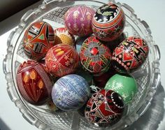 Great eggs from Ruthie. Egg Art, Egg Decorating, Easter Crafts, Easter Eggs, Jigsaw Puzzles, Europe, Spring, Pretty, Beautiful