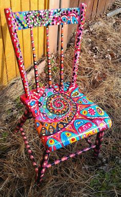 Love this hand painted chair! Art Furniture, Funky Painted Furniture, Furniture Makeover, Painting Furniture, Furniture Outlet, Furniture Stores, Furniture Buyers, Chair Makeover, Furniture Online
