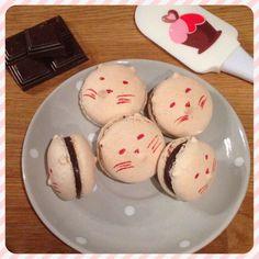 Macarons Chocolat Fève Tonka sur www.croquantetgourmand.com