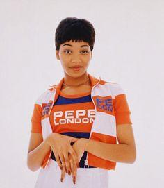 Monica Pepe London Vintage Fashion Lynn Whitfield, Vanessa Williams, 90s Girl, Toni Braxton, Hip Hop And R&b, 90s Childhood, Vintage London, Black Girl Magic, Black Girls