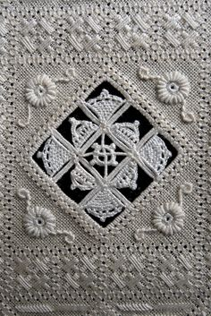 Discussion on LiveInternet - The Russian Online Diaries Service- Вышивка «хардангер Hardanger Embroidery, Lace Embroidery, Embroidery Stitches, Embroidery Patterns, Bobbin Lace, Needle Lace, Drawn Thread, Types Of Embroidery, Linens And Lace