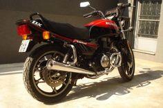MOTO HONDA CB 450 CC - DX - 1988 - VERMELHA E PRETA - 28.000 KMS - NOTA FISCAL ORIGINAL - MANUAL - CHAVE RESERVA - RARIDADE - EXCELENT ESTADO DE CONSERVAÇÃO - TODA ORIGINAL.
