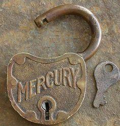 Antique-Bronze-Yale-and-Towne-MERCURY-Padlock-Key-Yale-Pad-Lock-Key