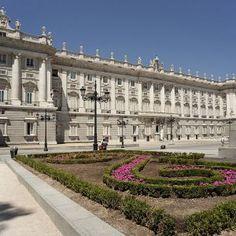 Madrid Tours for Muslim Travelers | Halal Tourism Specialists www.safarsalamatours.com #madrid #tourism #spain #unesco