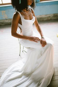 Katie May wedding dress | a & bé style book | see more on: http://burnettsboards.com/2014/04/15-fabulously-styled-wedding-dresses/ #weddingdress