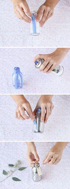 Lembrancinha fácil de garrafa de vidro com tinta spray e fita adesiva ~ VillarteDesign Artesanato