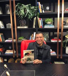 """A @dunelli_ recebe convidados numa festa linda para o lançamento da nova linha de móveis assinada por grandes arquitetos e do livro """"A Grande Beleza"""" do jornalista e arquiteto Pedro Ariel Santana. Noite maravilhosa!!!!"""