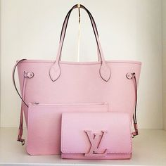 Order for replica handbag and replica Louis Vuitton shoes of most luxurious designers. Sellers of replica Louis Vuitton belts, replica Louis Vuitton bags, Store for replica Louis Vuitton hats. Beautiful Handbags, Beautiful Bags, Louis Vuitton Handbags, Purses And Handbags, Tote Handbags, Ladies Handbags, Mode Rose, Vuitton Bag, Mode Style