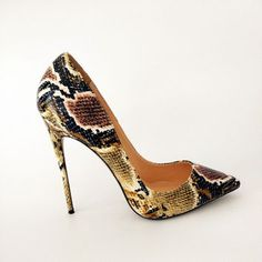 Product Description Its Snake Printed stilettos high heels Ladies Shoes. You can make yourself modern take on a these versatile pumps will add polish to any chi Dream Shoes, Crazy Shoes, Me Too Shoes, High Heels Stilettos, Stiletto Heels, Shoes Heels, Pretty Shoes, Beautiful Shoes, Fashion Heels