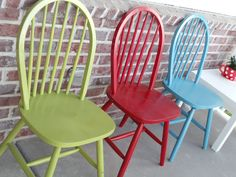 I gave my old kitchen chairs new life this week with a fresh coat of paint. I think they make for very bright and sunny porch chairs.    I...