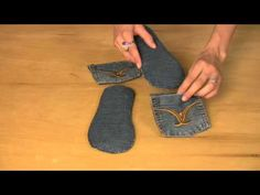 Turn your jeans ~~ into earth friendly sandals (video) <--may have to give this a go. so many jeans to recycle into 'stuff' Old Sweater Diy, Redone Denim, Jean Sandals, Jean Crafts, Diy Crafts, Denim Ideas, Jeans Material, Old Jeans, Recycled Denim