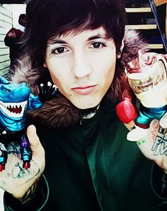 oliver sykes with sharks.. dream come truee(: