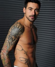 7、Ezequiel Lavezzi of Argentina and Paris Saint-Germain World Cup: The 10 best tattooed footballers - Telegraph
