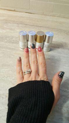 #gelmoment #manicure #manipedi #nails #momlife #nofilter #nail #naildesign #easynails #rednails #blacknails #nailspiration #inspiration #gooddeal #beauty #easynails #polkadots #nailart #naildesigns #naildiy #diygel #gelnails #homemanicure #5minutemanicure