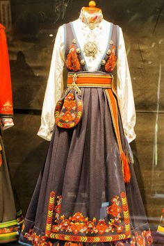 """""""Heddal bygdetun 💠 Bunad i Heddal bygdetun = National Costumes of Norway at the Heddal Open Air Museum Folk Costume, Costumes, Scandinavian Embroidery, Russian Folk Art, Frame Purse, Dapper Day, Cool Photos, Interesting Photos, Frozen"""