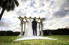 Dia perfeito para um casamento ao ar livre na Chácara Mangala