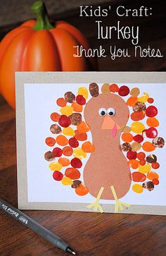 These turkey thank you note cards are a cute kids craft for Thanksgiving from @DecoArt Inc.!