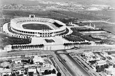Chile, Santiago. Vista panorámica aérea del Estadio Nacional y sus zonas anexas. Año 1938
