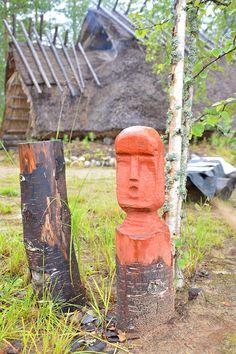 Kivikauden asumusten lähettyviltä löytyy toteemi, joka voisi esittää esimerkiksi jumalhahmoa. Luuppi, Oulu (Finland)
