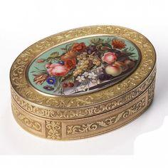 A SWISS GOLD AND ENAMEL SNUFF BOX, CIRCA 1810