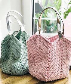 Crochet Tote, Crochet Handbags, Crochet Purses, Diy Crochet, Crochet Crafts, Bag Pattern Free, Tote Purse, Purses And Bags, Reusable Tote Bags